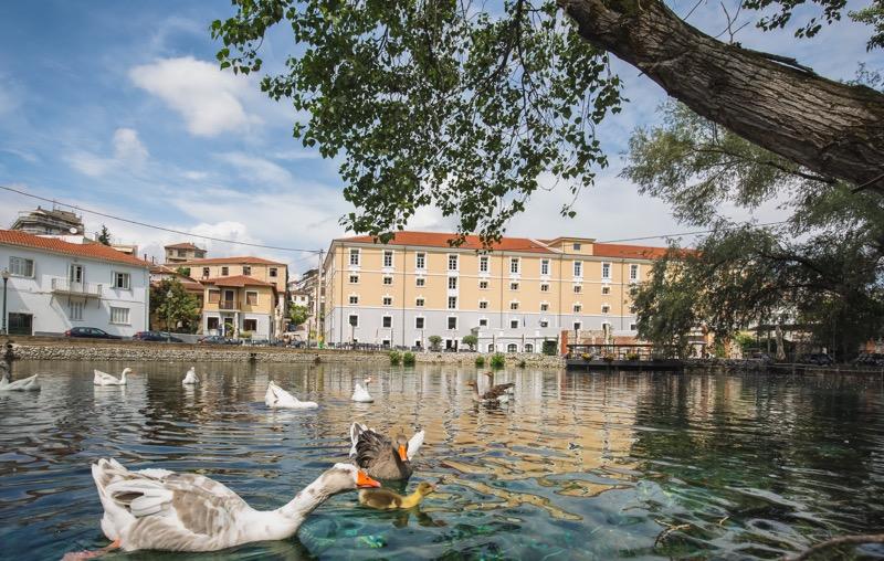 Cuatro destinos inusuales que vale la pena visitar - hydrama-grand-hotel-1