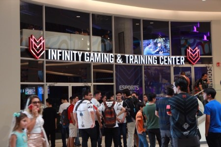 Infinity Esports inaugura su primer Gaming & Training Center