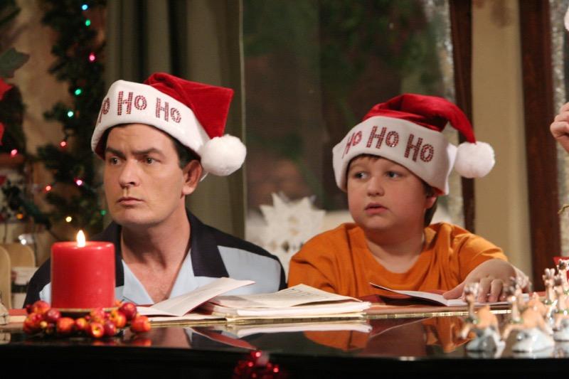 Tus comedias favoritas este año nuevo por Warner Channel - two-and-a-half-men-800x533