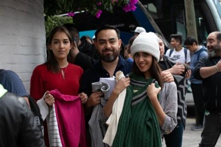 Bacardí dona casi dos mil suéteres a comunidades vulnerables