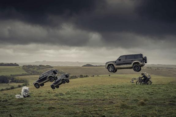 Nuevo Land Rover Defender, realiza todas sus acrobacias en la nueva película del 007 - land-rover-defender-110