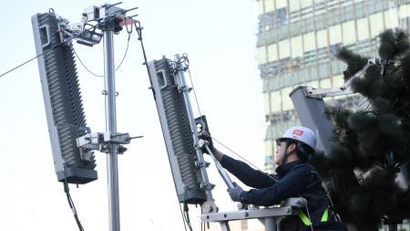 En Países Bajos también queman antenas 5G; falso vínculo con COVID-19 podría ser el motivo