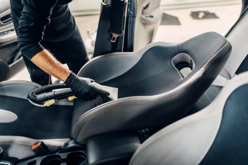 Como mantener el interior de tu auto siempre limpio y libre de virus y bacterias - mantener-auto-limpio-800x534