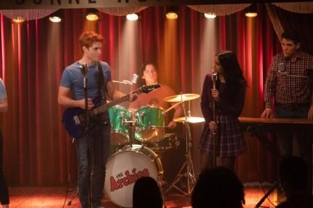 Riverdale estrena el decimoséptimo episodio por Warner Channel