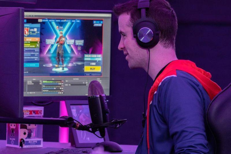 Casters, narrador de eSports ¡la profesión del futuro en México! - casters-bluemicrophones_2-800x533