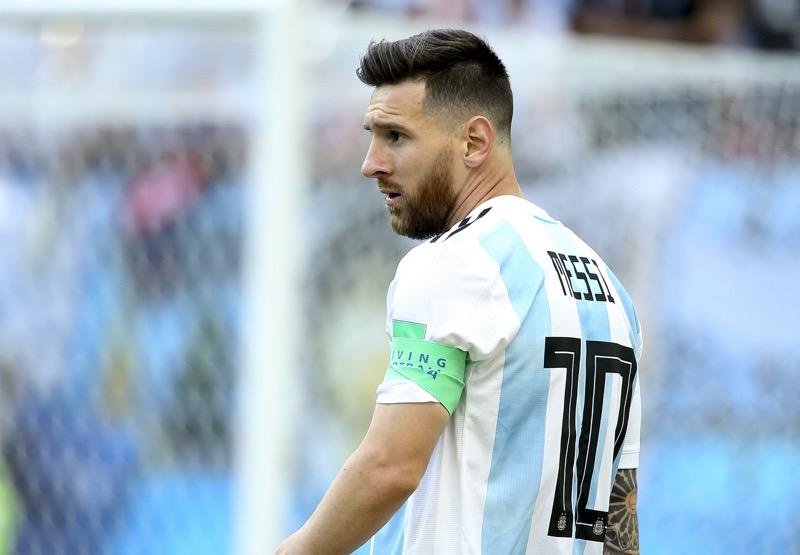 adidas escucha a la superestrella del fútbol, Leo Messi, sobre su regreso al fútbol - messi-7-800x555