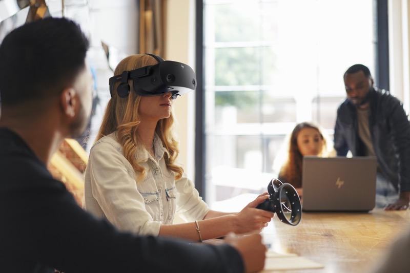 HP presenta lentes de realidad virtual: HP Reverb G2, en colaboración con Valve y Microsoft - reverb-g2-training-800x533