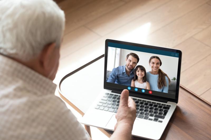Cómo celebrar el Día del Abuelo con detalles únicos a distancia - dia-del-abuelo-800x533