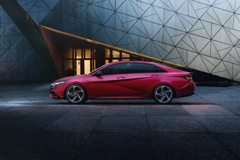 Hyundai lanza el nuevo Elantra N Line sedán - elantra_n-_line_hyndai-800x533