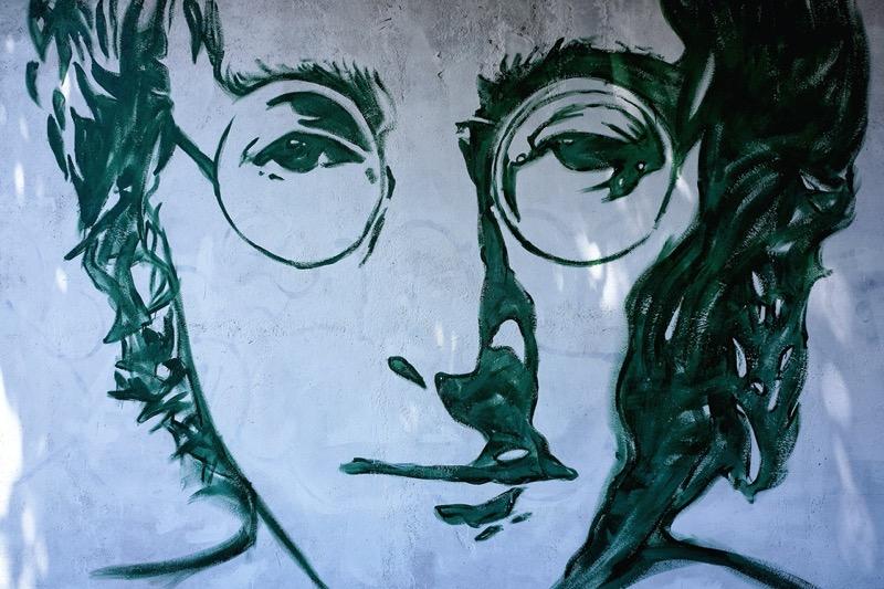 Nowhere Boy: la película que debes ver para celebrar el cumpleaños de John Lennon - john-lennon-800x533