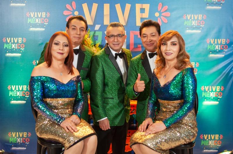 Vive México, ¡La Fiesta! emisión especial del 15 de septiembre - los-angeles-azules-800x531