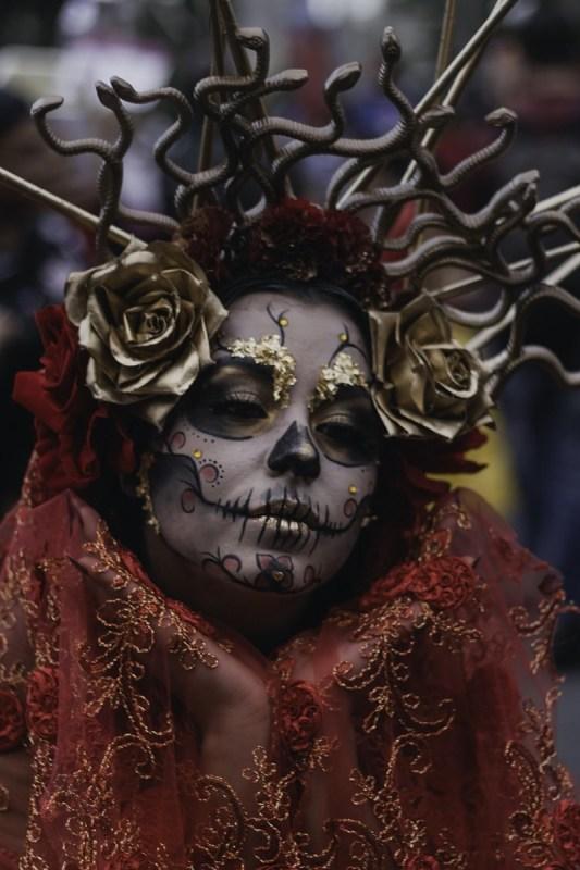 Actividades para celebrar día de muertos sin salir de casa - concurso_de_disfraces_virtual-533x800
