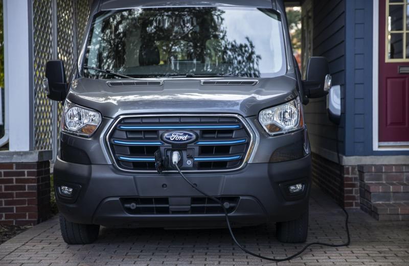 Nueva E-Transit de Ford, una versión totalmente eléctrica de la van de carga más vendida del mundo - all-new_ford-e-transit_06