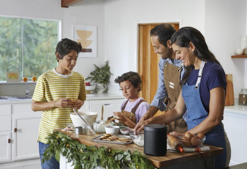 Sonos en El Buen Fin 2020 con promociones para los amantes de la música y el audio - one_black-lifestyle-kitchen-holiday