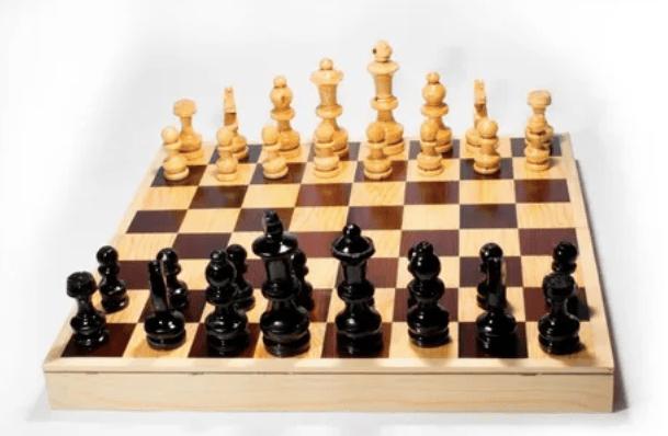 La serie Gambito de Dama dispara las ventas de ajedrez en Mercado Libre - ajedrez-mercado-libre_tablero-de-madera
