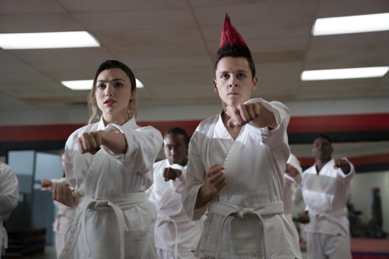 Netflix revela las primeras imágenes de la tercera temporada de Cobra Kai - tercera_temporada_cobra_kai_netflix-800x533