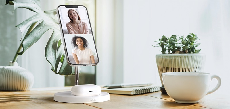Belkin presenta la próxima generación de Audio SOUNDFORM y accesorios de energía móvil - boost-charge-pro-wireless-charger-stand-magsafe2in1-magsafe-lifestyle2