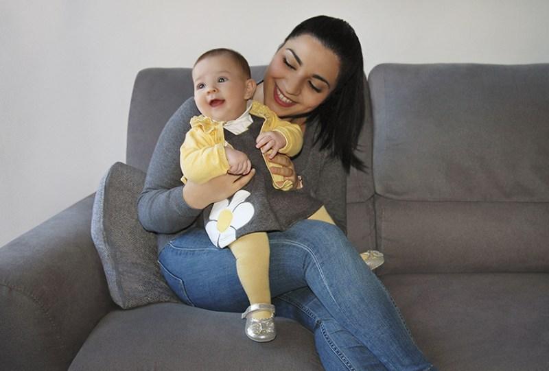 Chicco se viste con los colores del 2021: amarillo y de gris - chicco-1-800x541