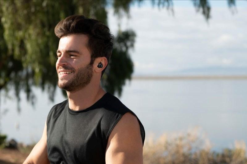 Para tus propósitos fitness, JBL presenta una selección de audífonos ideales para tu entrenamiento - jbl-audifonos-inalambricos-jbl-reflect-flow-800x533