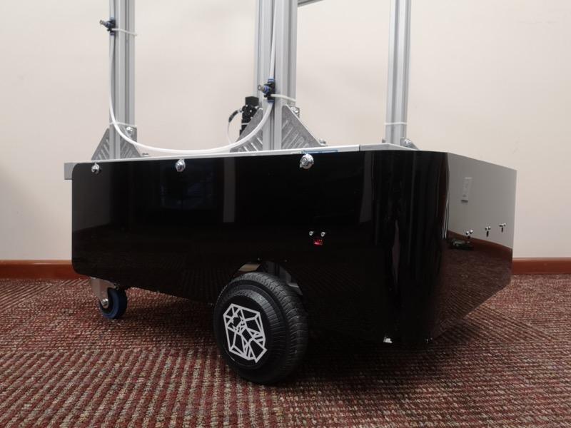 Robocov: robot para combatir el COVID-19  creado por el  Tec de Monterrey - robocov-robot