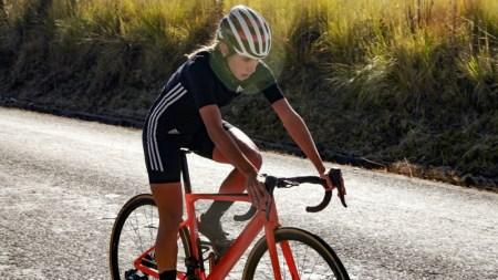 Adidas presenta nueva colección de ciclismo en México