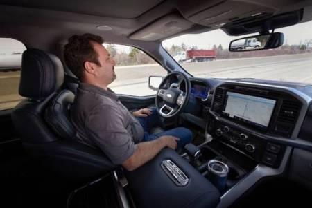 Ford comenzará a ofrecer BlueCruise, nuevo sistema de conducción autónoma