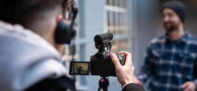 Sennheiser lanza MKE 400: micrófono para grabar audio profesional con smartphones o cámaras portátiles - mke-400-microfono