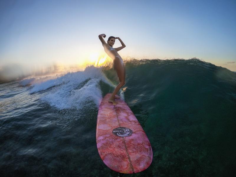 Cómo hacer un vídeo biográfico memorable - videoclip-biografico-athlete-hawaii-north-shore-surf-victoria-vergara-g0048652-master