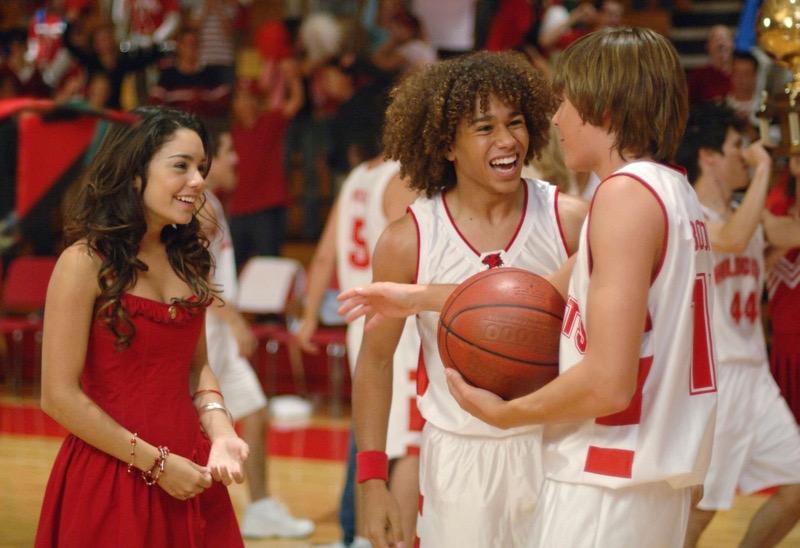 Disney presenta un mash up con canciones icónicas para celebrar la amistad - high-school-musical