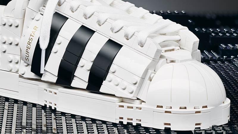 adidas Originals y LEGO lanzan el LEGO Buildable Kit - adidas-superstar-lego-adidas-originals-lego-buildable-kit-webadictos