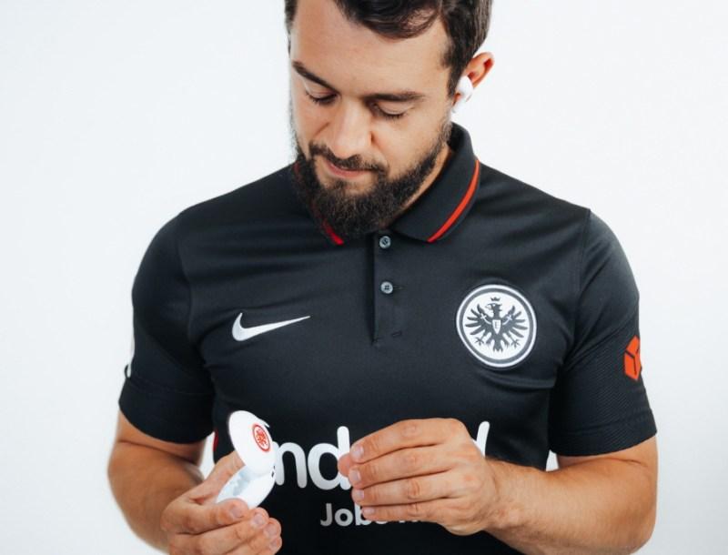 LG lanza edición limitada de los audífonos inalámbricos LG TONE Free, con el club de fútbol de la Bundesliga