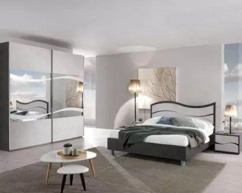 Camera da letto matrimoniale con armadio tre ante scorrevoli e letto con box contenitore. Vendita Mobili Online Camere Da Letto Offerte Webarredamenti