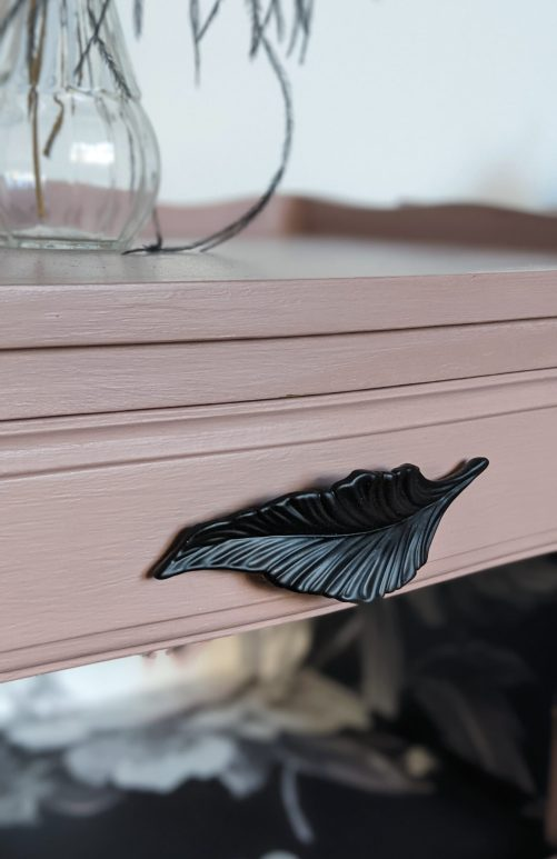 Édith and Marcel, drawer handle