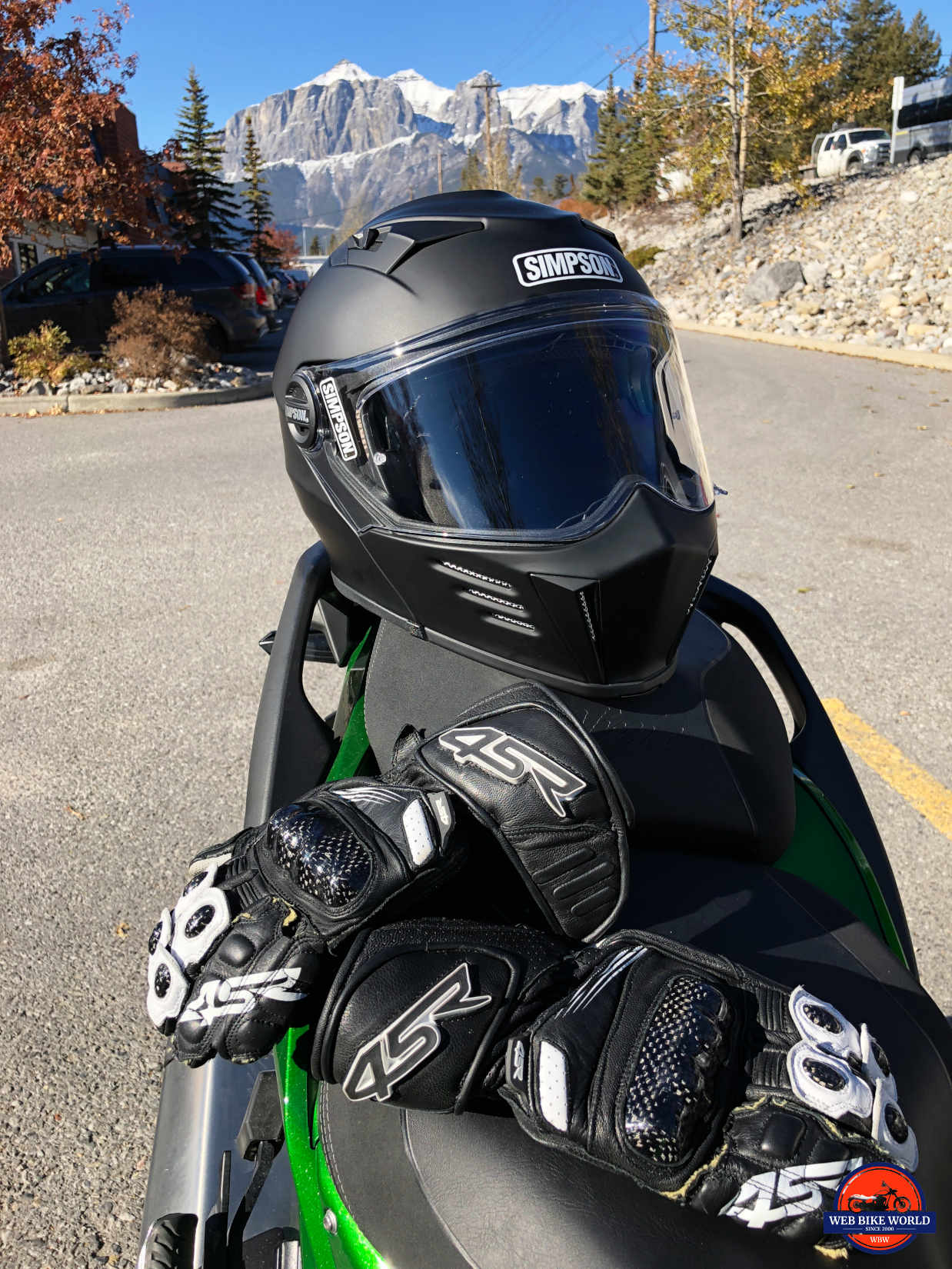 Why Should Wearing A Helmet When Motorcycling : should, wearing, helmet, motorcycling, Helmet, Survey, Shows, Motorcyclist, Wrong, WebBikeWorld