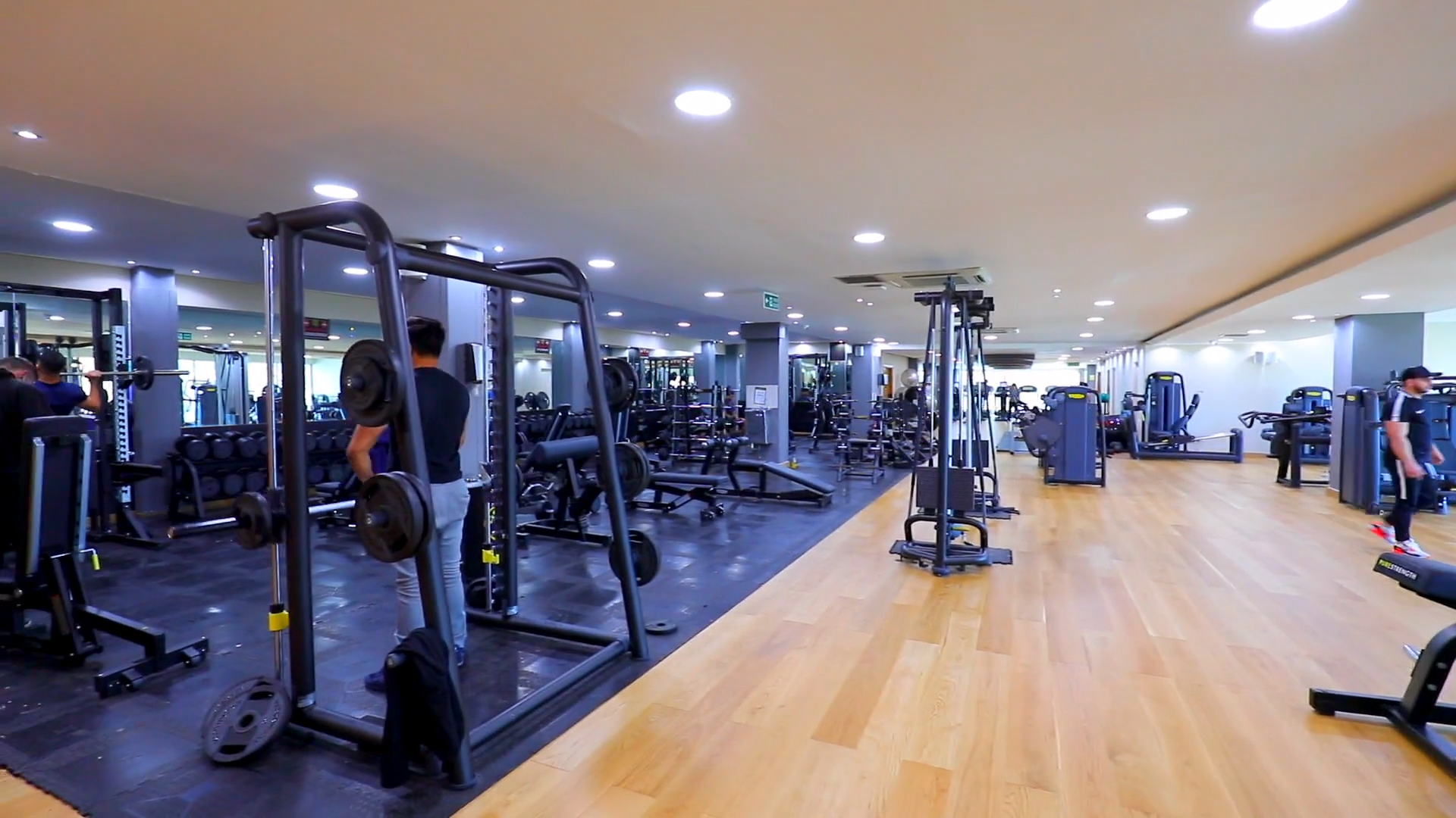 Golds Gym Continental Hotel