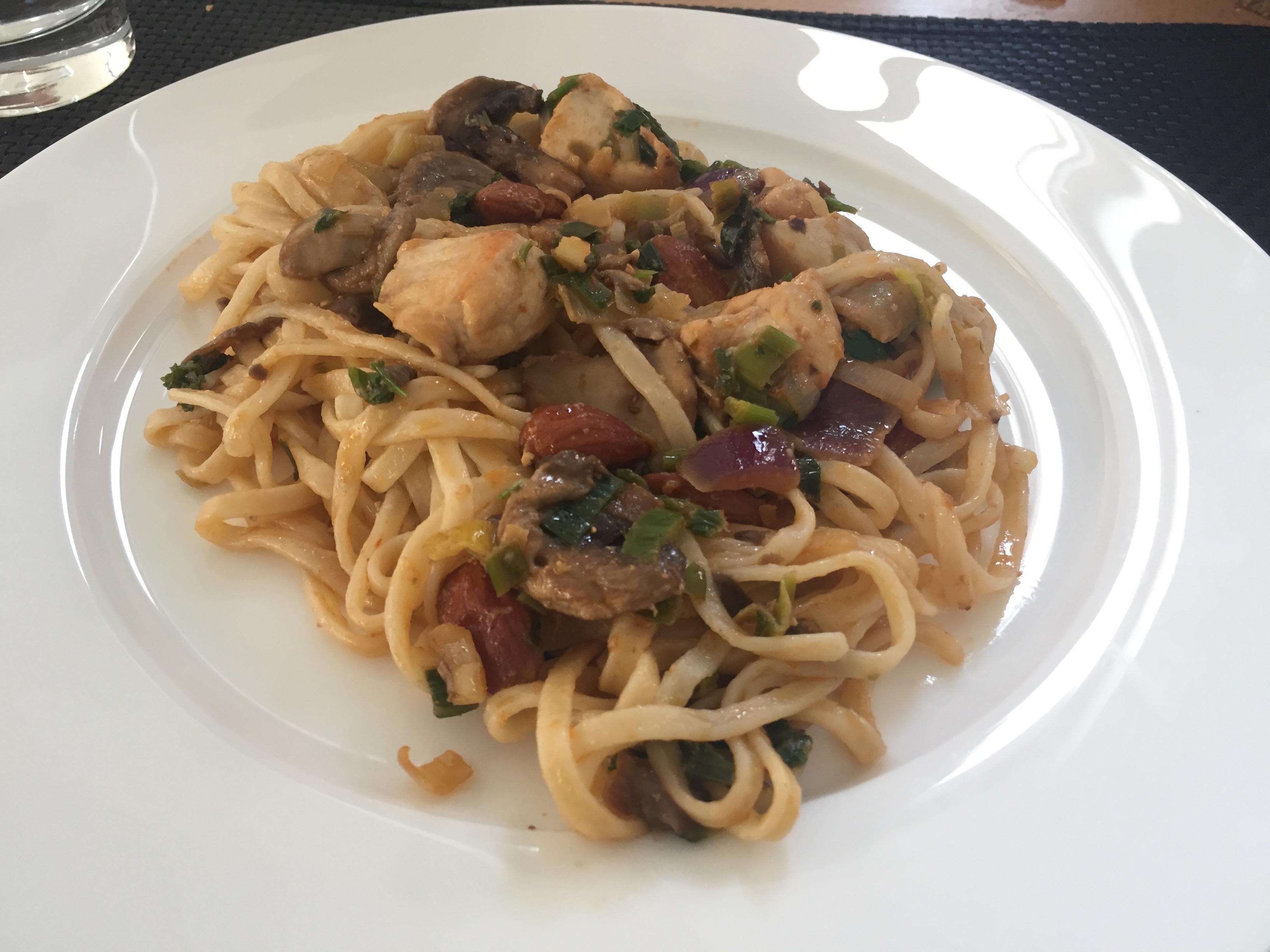 Kip pesto met groente en mie 1