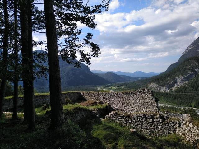 Blick über die Portaclaudia auf Mittenwald