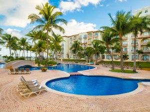 Punta Cancún Poniente