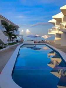 Manzanillo Playa Azul