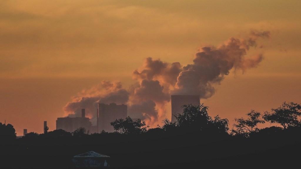 Lucha contra contaminación del aire combate cambio climático