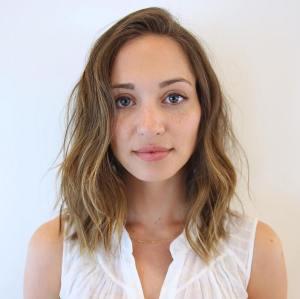 Medium Wavy Hairstyle For Thin Hair