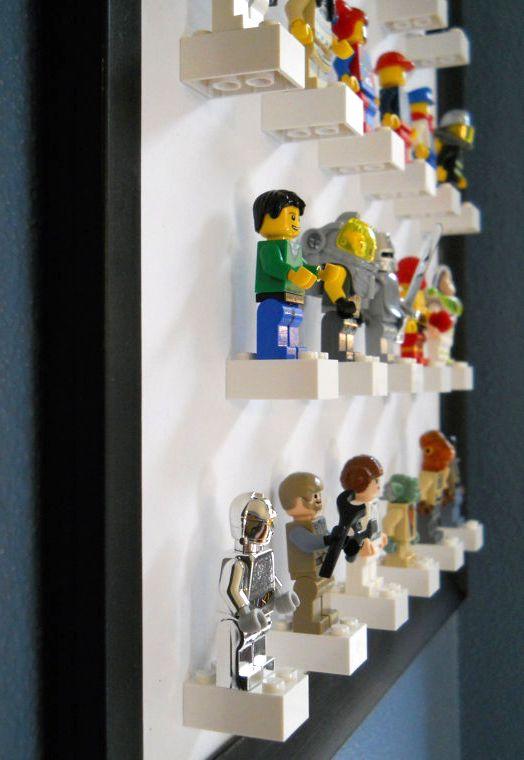 Een ander idee om lego poppetjes op te bergen..Zelfde als de andere fotos..alleen hier is de lijst een and