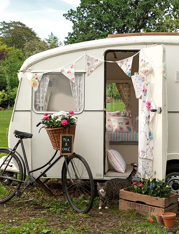 Clarke+and+clarke+vintage+caravan+decor Inspiring DIY Sewing Projects and Textiles