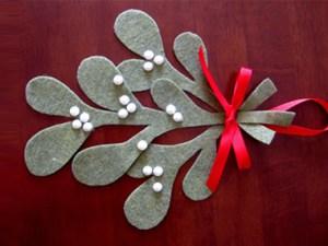 Make Your Own Mistletoe