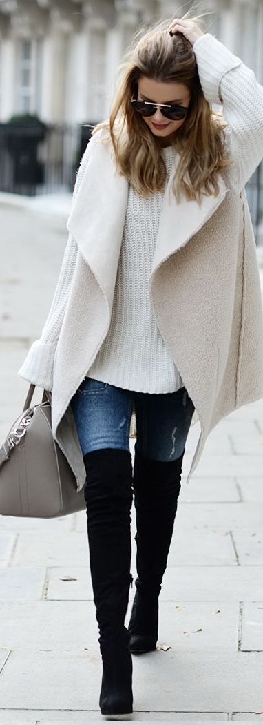 Vest: By Lene Orvik // Jumper: One Teaspoon // Jeans: Gina Tricot Bag: Givenchy //