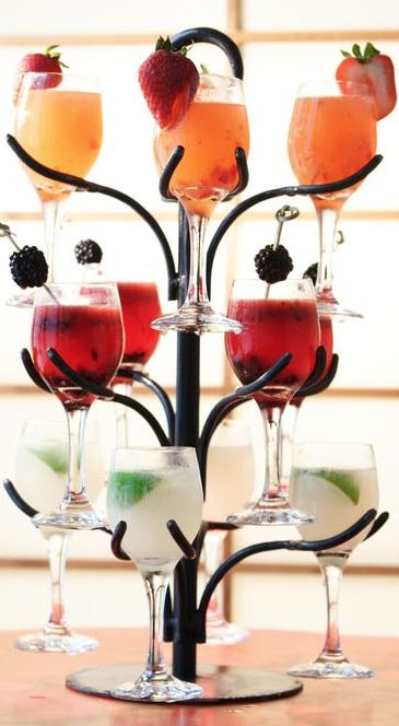 OMG!!! Cool–Cocktail Tree, great for parties :-)