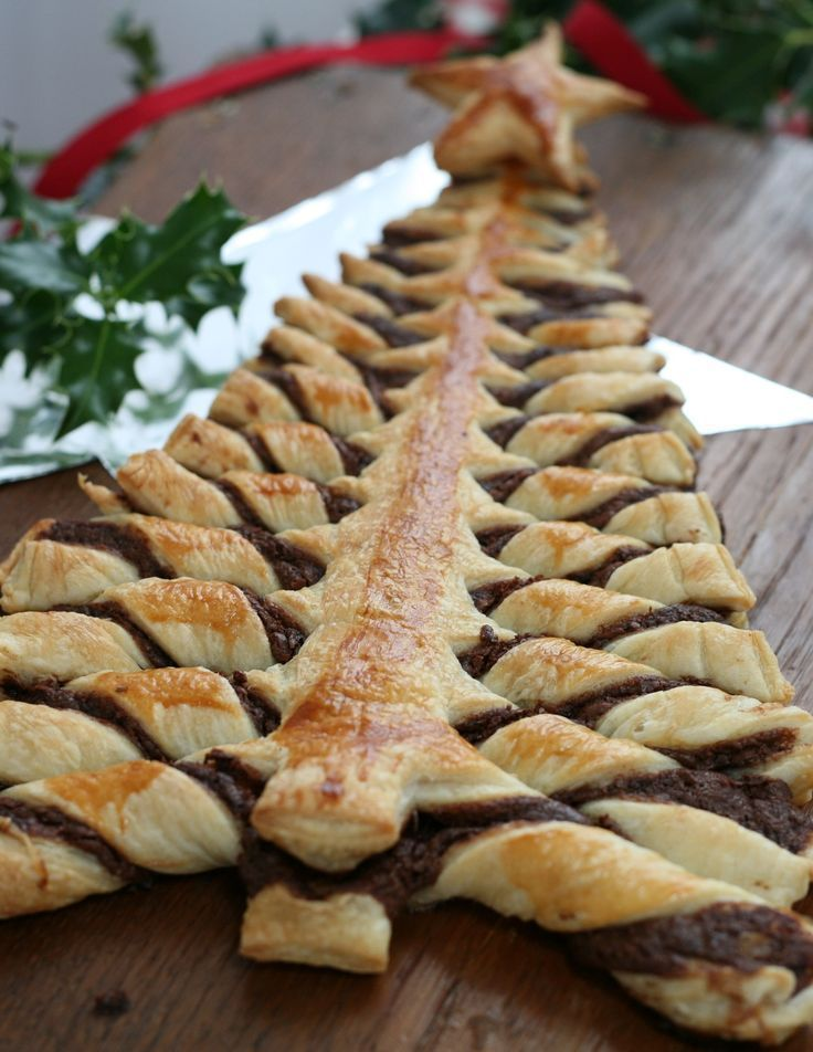 Nutella puff pastry Christmas tree – just a tub of Nutella and a packet of puff pa