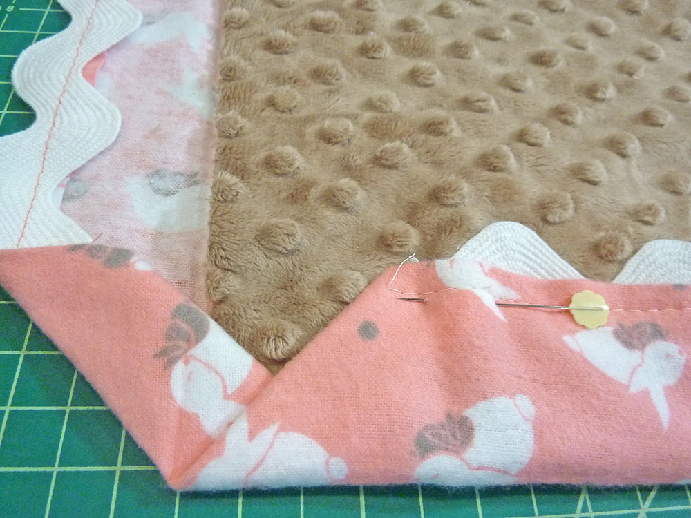 Cuddle + Flannel Baby Blanket with Easy Binding: Fabric Depot & Shannon Fabric