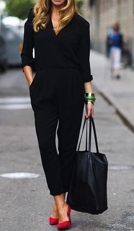 Love this all black look with a pop of color from the red pumps! I have the shoes