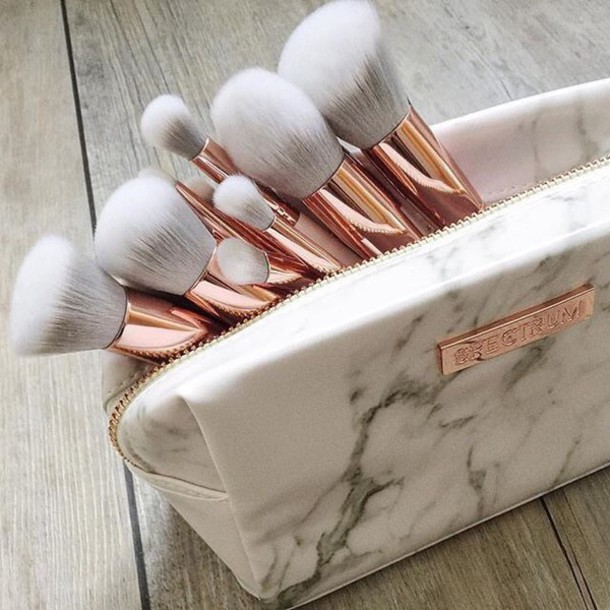 Make-up: spectrum, makeup brushes, gold, ombre, grey, white marble, marble, face m